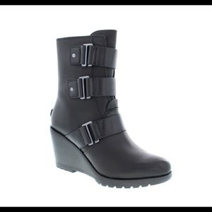 SOREL After Hours leather wedge boots size 7.5